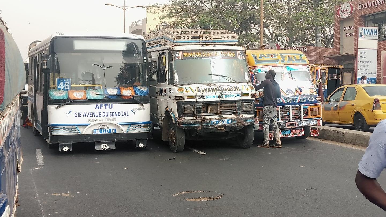 En image – L'indiscipline du transport sur nos routes