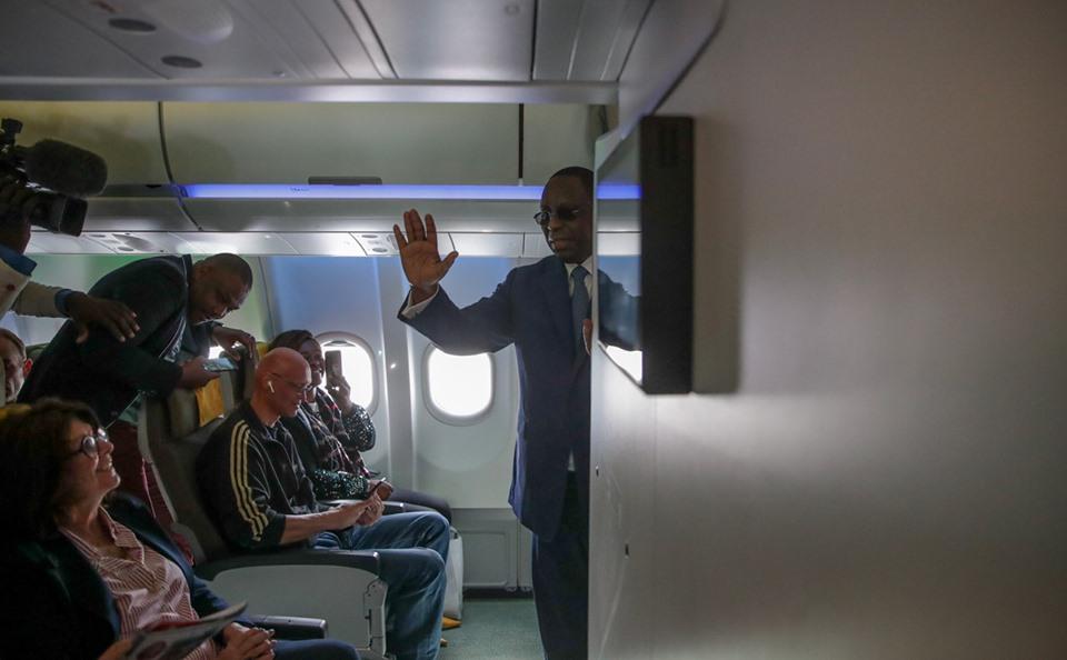 Macky Sall à bord  d'Air Sénégal