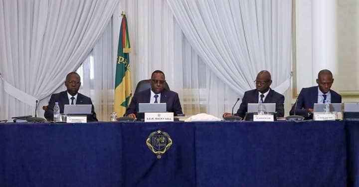 GOUVERNEMENT : communiqué du conseil des ministres