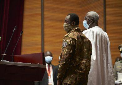 MALI: «Les gens s'attendent à casser l'omniprésence des militaires avec un Premier ministre civil»