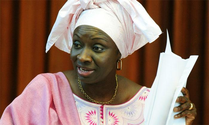 DECLARATION : Mimi  Touré menace ses détracteurs