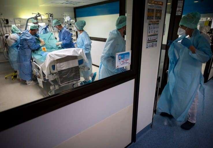 COVID-19: 362 morts à l'hôpital en 24 heures en France