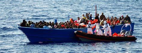 ESPAGNE: Arrestation des deux patrons présumés d'une embarcation chargée de migrants qui a fait naufrage la semaine passée