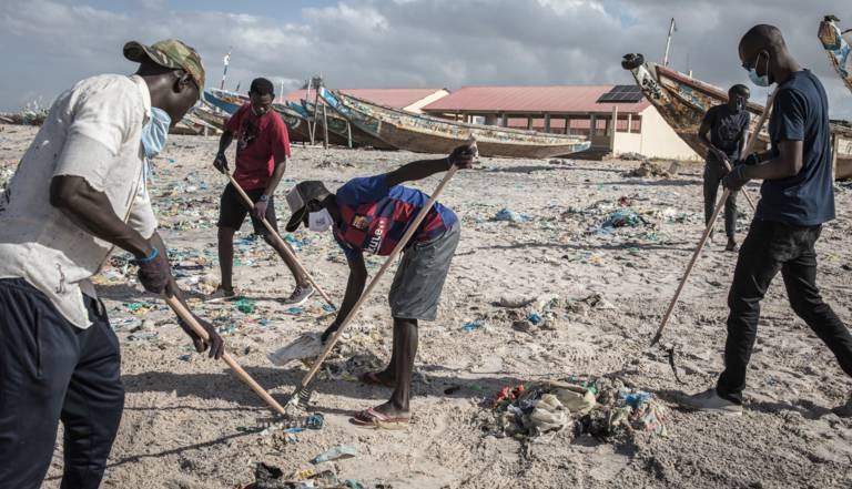 Journée mondiale de l'environnement : Le Syndicat des Armateurs en Conteneurs du Sénégal (SACS)  pour une plage propre